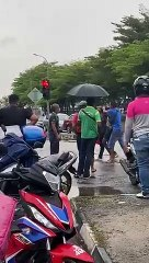 Mob attacks innocent man in Johor