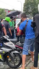 Mob attacks innocent man in Johor over accident