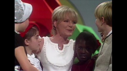 Petula Clark - Fill The World With Love