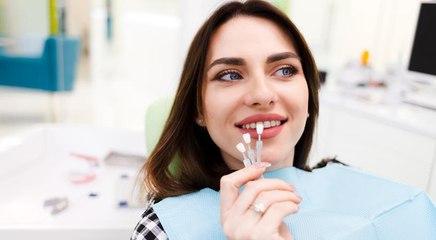 تعرفي على تقنية Signature Smile لأسنان بيضاء وابتسامة فاتنة
