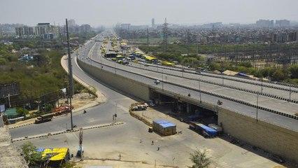Coronavirus: Weekend lockdown empties Delhi's streets