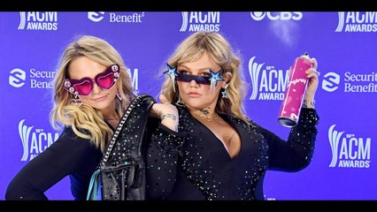Miranda Lambert and Elle King Had the Best Time at the 2021 ACM Awards   Sun TV News