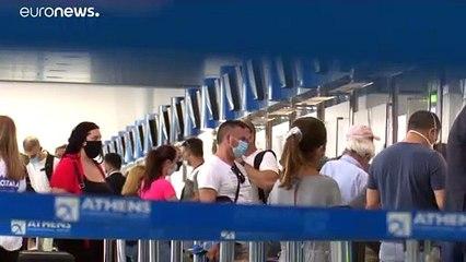 Grecia a piccoli passi verso l'entusiasmo dell'estate