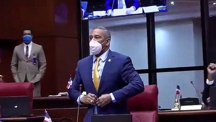 Senado aprueba cambiar con el nombre de Corporán de los Santos a la avenida Charles Summer