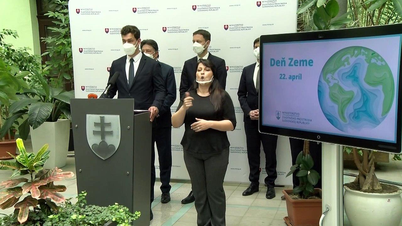ZÁZNAM: TK premiéra E. Hegera a ministra životného prostredia J. Budaja