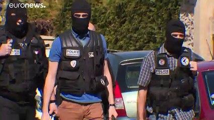 Francia, la jihad contro la Polizia: le indagini dopo la morte della poliziotta