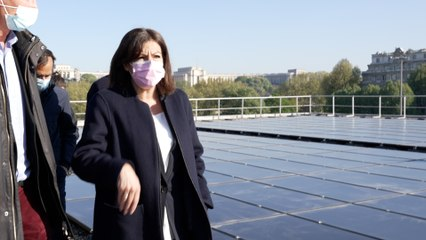 Anne Hidalgo inaugure une ferme de panneaux photovoltaïques : « 40 foyers parisiens seront alimentés de cette manière »
