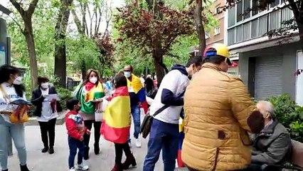 Antichavisti e di destra: i venezuelani al voto in Spagna