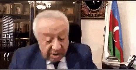 Un politicien oublie qu'il est en visio et touche les fesses de sa collègue (Azerbaïdjan)