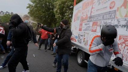 Des militants CGT attaqués par des manifestants dans le cortège du 1er mai