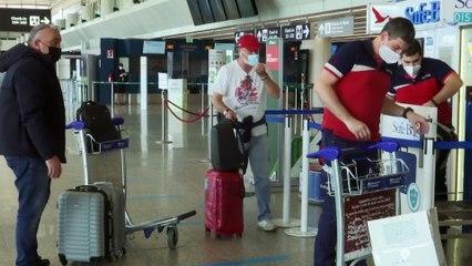 L'UE apre ai turisti vaccinati. Freno d'emergenza contro le varianti