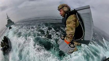 Soldats de la Royal Navy, ces maîtres du Jet Suit