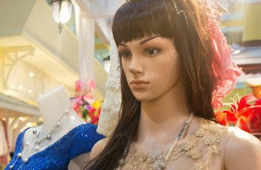 Police called after mannequin sat at a table is mistaken for a human