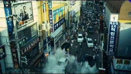 Mega Tsunami scenes from the film   Haeundae 2009