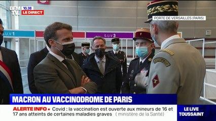 Emmanuel Macron inaugure le vaccinodrome du parc des Expositions à Paris