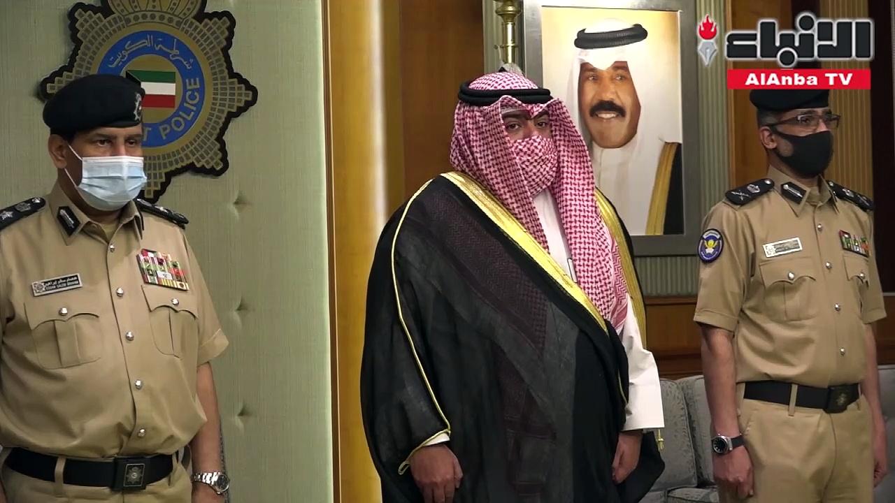 وزير الداخلية قام بتخريج (5) ضباط من الدفعة (46)من أكاديمية سعد العبدالله للعلوم الأمنية