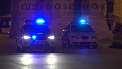 Los Mossos desalojan en Barcelona a 200 jóvenes que celebraban un botellón