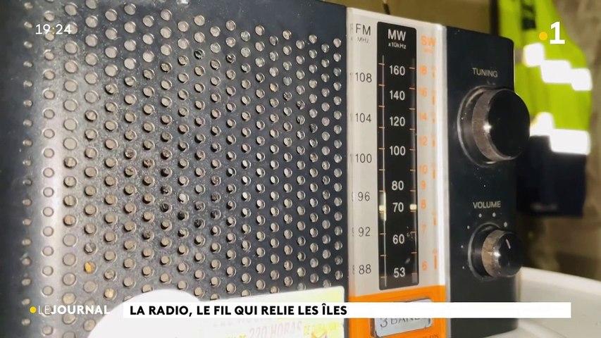 La radio, le fil qui relie les îles