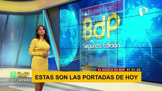 Claudia Chiroque leyendo las portadas del día en el Kiosko de Buenos Dias Peru