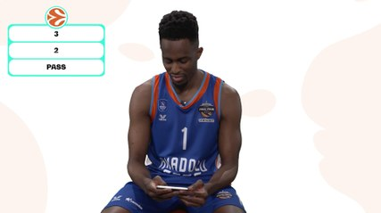 3, 2 or pass? With Efes's Rodrigue Beaubois!