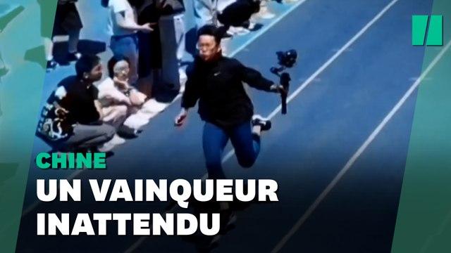 En Chine, cette course de 100m est remportée par… le caméraman