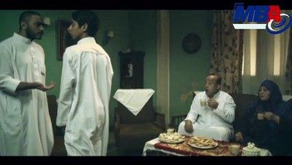 والد تامر حسني يعطي ابنه 5 جنيه عدية لن تتوقع ماذا كان رد فعله