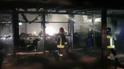 Spoltore (PE) - Incendio devasta il bar-ristorante Poesia (11.06.21)