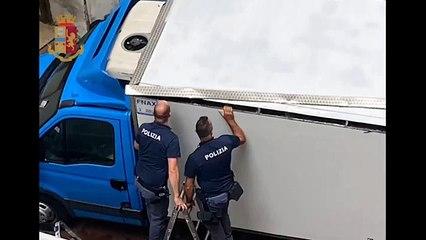 46 chili di cocaina nascosti nel tetto di un furgone: 32enne fermato sulla Napoli-Bari (11.06.21)