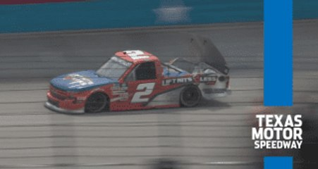 Sheldon Creed spins, sustains damage early at Texas