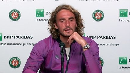 """Roland-Garros 2021 - Stefanos Tsitsipas : """"Novak Djokovic left the court after two sets to love down, I don't know what happened there, but he came back to me like a different player suddenly"""""""