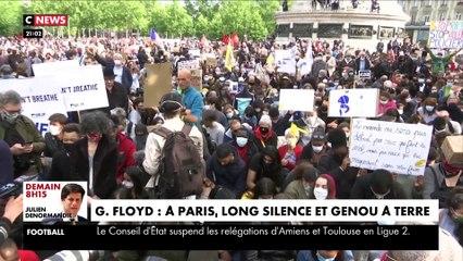 Long silence et genou à terre à Paris en hommage à Georges Floyd le 9 juin 2020