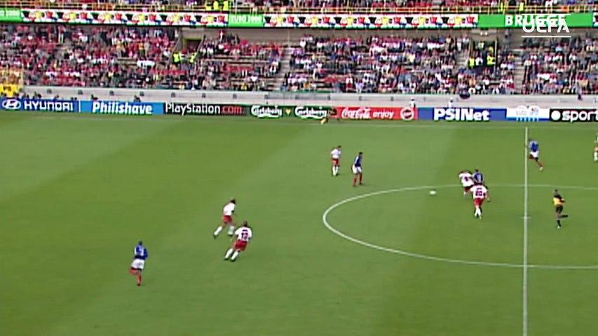 11/06/00 : Sylvain Wiltord (90') : France - Danemark (3-0)