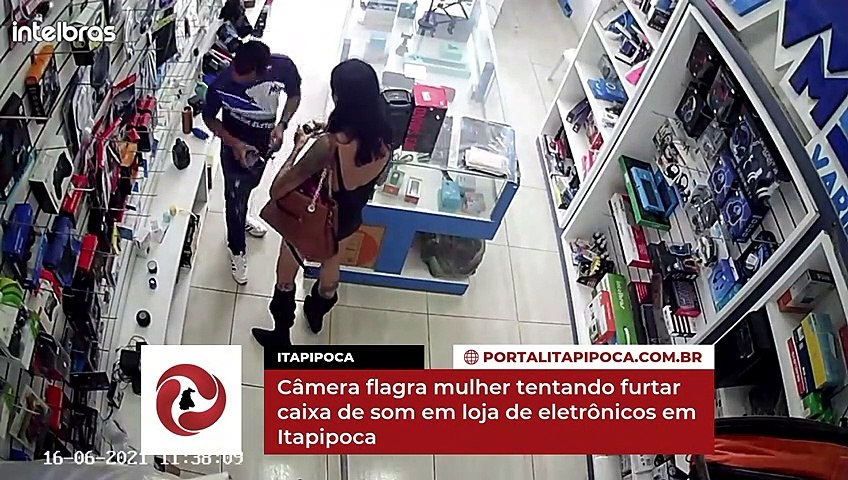 Câmera flagra mulher tentando furtar caixa de som em loja de eletrônicos em Itapipoca