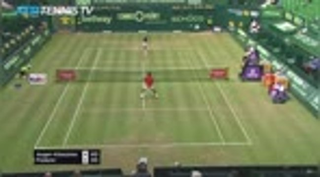 Halle - Federer prend déjà la porte