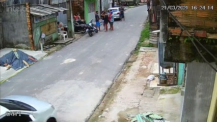 Homens são alvejados em rua de Belém