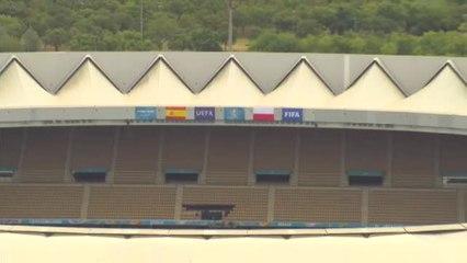 Césped nuevo en el estadio de La Cartuja para el segundo partido de España en la Eurocopa
