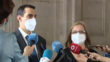 Felipe VI condecora a 24 ciudadanos con la Orden del Mérito Civil por su lucha en primera línea contra la pandemia