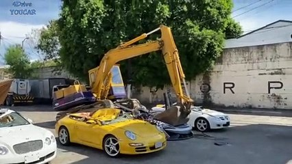 لقطات تدمير حكومة الفلبين لسيارات فارهة قيمتها أكثر من مليون دولار