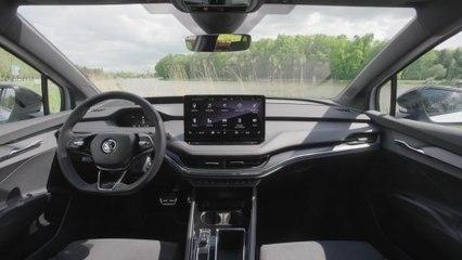 Der neue SKODA ENYAQ SPORTLINE iV - Multifunktions-Sportlenkrad mit drei Speichen und Lederbezug mit Kontrastnähten