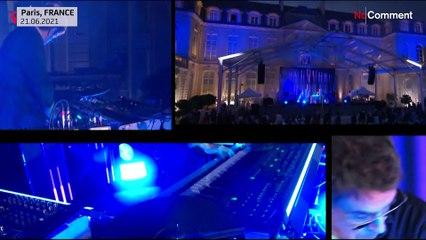 """Az ,,elektronikus zene feltalálói"""" koncerteztek az Élysée-palotában"""