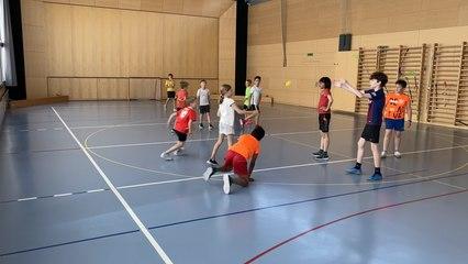 Unihockey-Handball (Warmup-Clip)