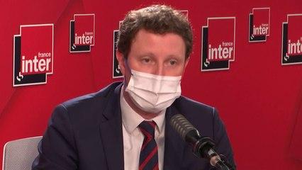 """""""J'ai dû rappeler au conseil des ministres européens qu'une image homosexuels n'était pas un contenu pornographique, parce que c'est ça que dit le gouvernement hongrois"""" (Clément Beaune)"""