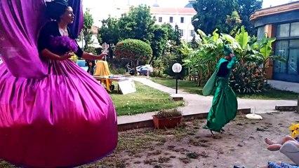 Jaja le papillon géant et Jojo la sauterelle font chanter les résidents de l'Ehpad de Cimiez
