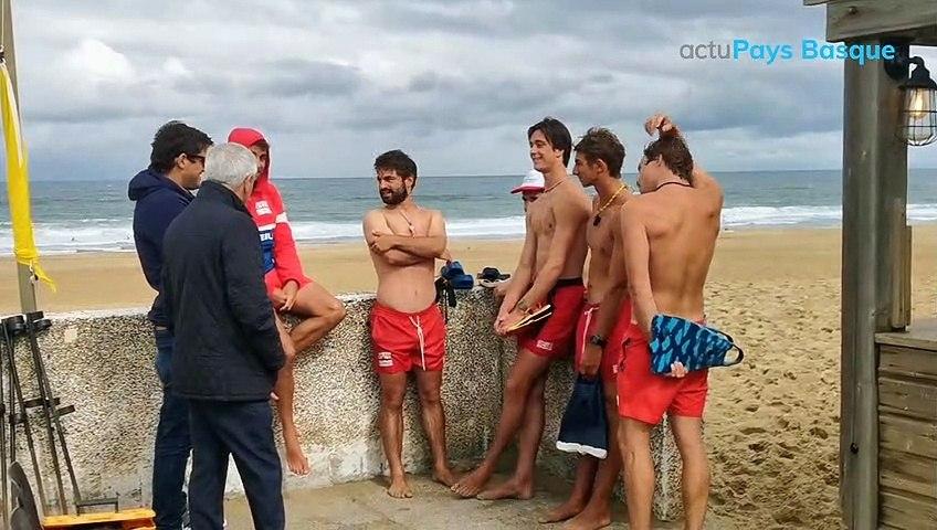 Démonstration des sauveteurs côtiers d'Anglet sur la plage de Marinella