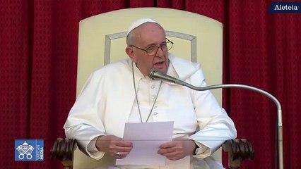 Papa agradece a su chofer por su trabajo