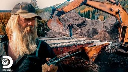 Tony Beets y su equipo construye un puente de 18 metros | Fiebre del oro | Discovery En Español