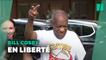 """Le """"V"""" de la victoire de Bill Cosby à sa sortie de prison après l'annulation de sa condamnation"""