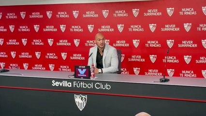 Presentación de Marko Dmitrovic como jugador del Sevilla FC