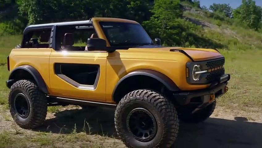 2021 Ford Bronco two door and four door Exterior Design