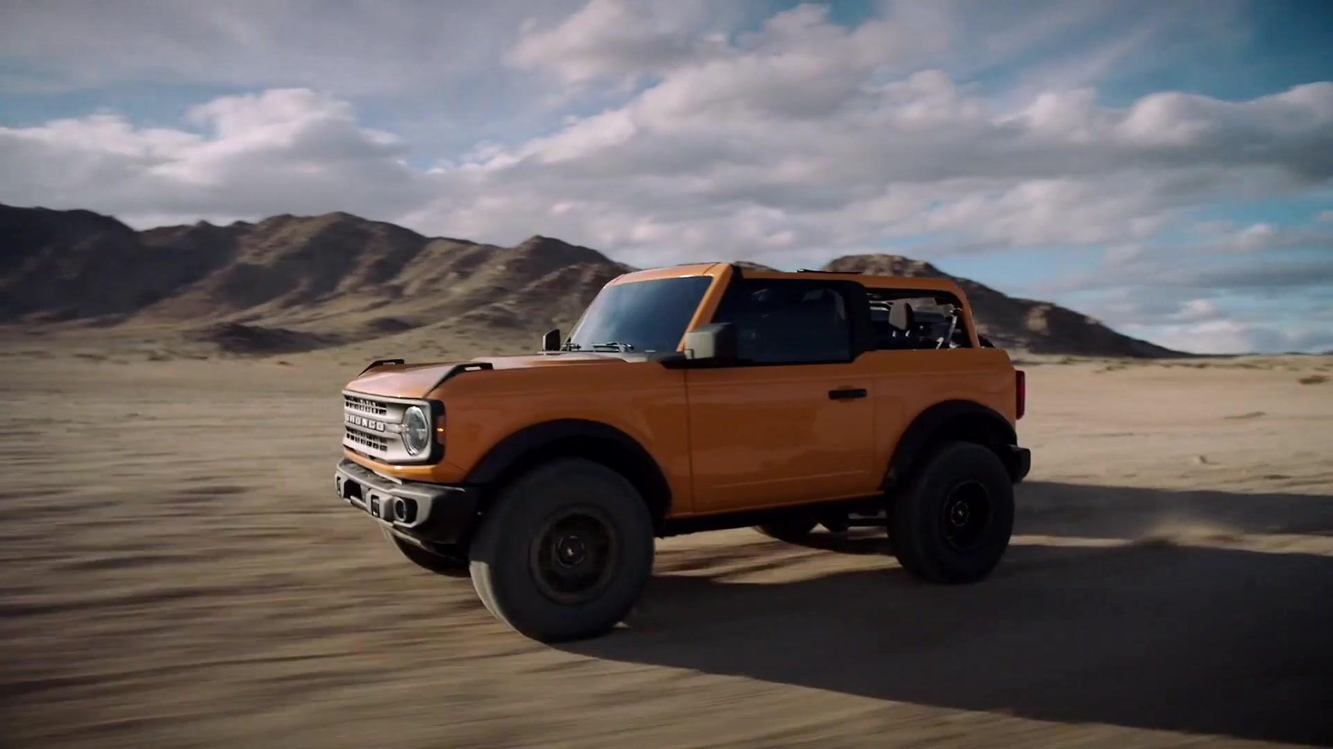 2021 Ford Bronco two door and four door Driving Video